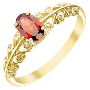 9ct Gold Garnet Fancy Shoulder Ring