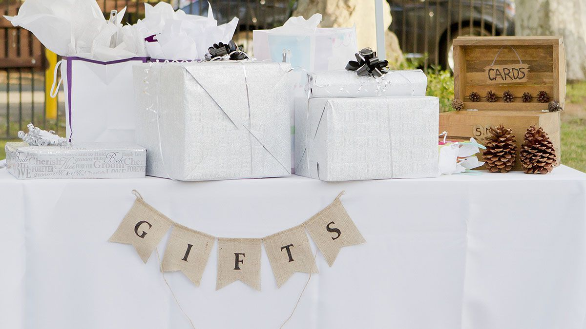 Wedding Gift Guide - The Do's & Don'ts